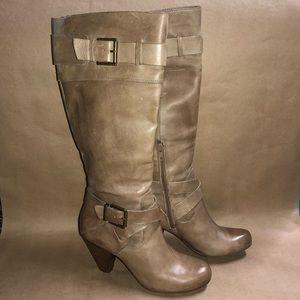 Arturo Chiang Boots Size 7 M Beige  NS8